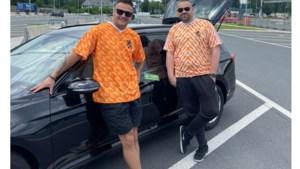Vliegveldbalie sluit voor neus van Limburgse Oranjefans: dan maar plankgas per huurauto naar Boedapest