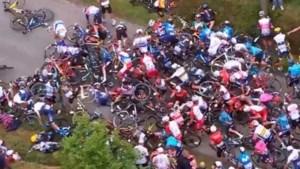 Irritatie over toeschouwers in Tour: 'Ze staan hier stomdronken langs de kant'