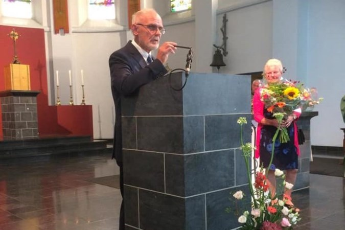 Parochiële onderscheiding 'De Moes' voor koster Jan Mullenders van Wijlre