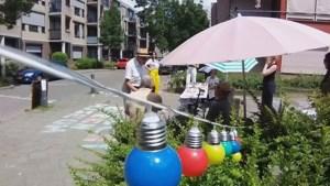 Video: Mini-museum brengt bewoners Koepelstraat in Maastricht met elkaar in gesprek