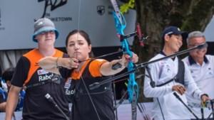 Handboogschutter Gabriela Schloesser grijpt naast goud in wereldbekerwedstrijd in Parijs