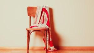 Doneer een stoel aan de bieb in Kessel
