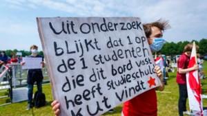 Commentaar: Gemorrel aan studiefinanciering brengt Nederland terug bij af als het gaat om ideaalbeeld 'scholing voor iedereen'