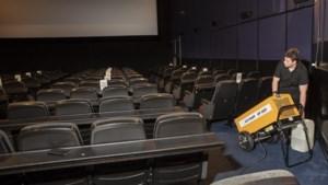 Video: Water centimeters hoog in filmzaal bioscoop Royal Echt: 'Had iets weg van een zwembad'
