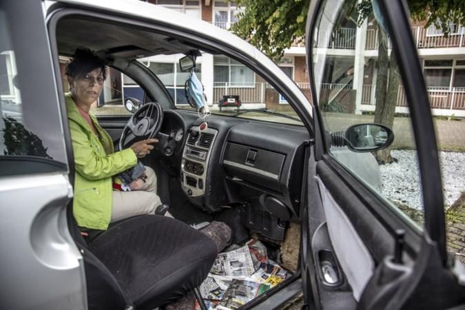 Noodweer overviel Esma in haar autootje: 'Ik voelde het water en begon uit paniek op de ramen te slaan'