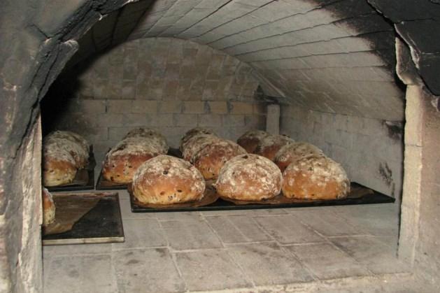 Zelf brood bakken en blaasmuziek in openluchtmuseum Melderslo