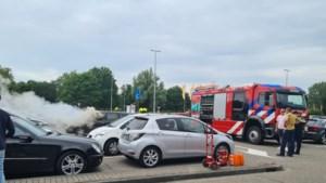 Auto vliegt in brand op parkeerplaats IKEA in Heerlen