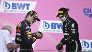 Contractverlenging Hamilton bindt Verstappen nog voor jaren aan Red Bull