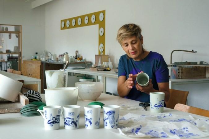 Een mondkapje op je koffiemok? Twee Limburgse kunstenaars creëren een coronaservies
