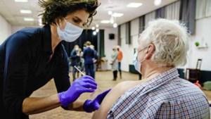 Gezondheidsraad in advies: prikmix geeft goede bescherming