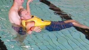 Water Beweegt organiseert zwemsessies voor mensen met een beperking