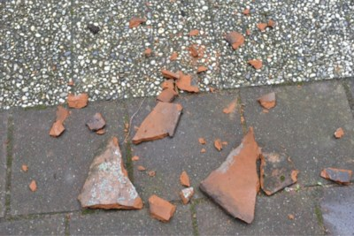 Onderzoek naar voorkomen van vallende dakpannen rond vliegveld Beek