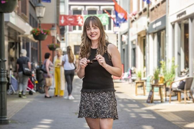 In de kledingkast van Laura uit Venlo hangt niks van Primark: 'Ik besteed liever meer aan duurzame materialen'