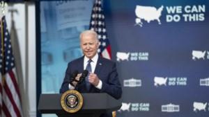 Biden roept op half jaar na bestorming Capitool op tot verdediging van de democratie
