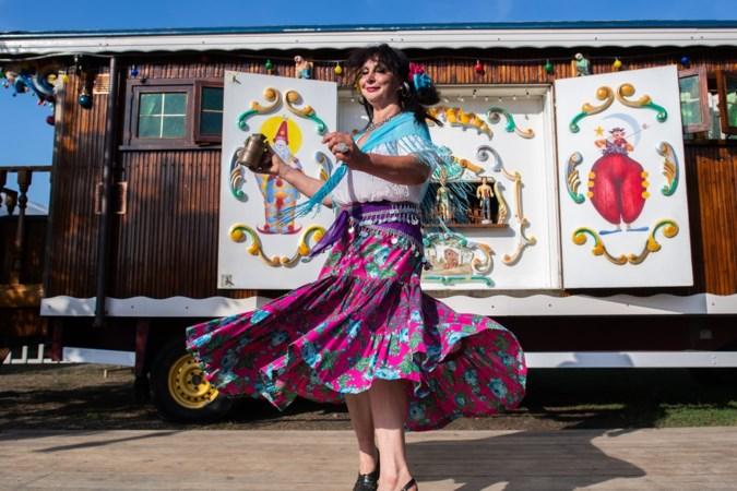 Rowwen Hèze topact Sint Rosafestival Sittard, meer dan veertig muziek- en theatergroepen maken opwachting