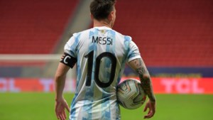 Aan de andere kant van de wereld kijkt men reikhalzend uit naar <I>Superclásico</I>: dé kans voor Messi op prijs met Argentinië