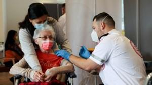 Vaccinmakers: derde coronaprik beschermt mogelijk veel beter