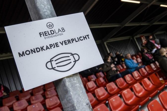 Clubs willen snel van corona af, maar: 'Je kunt niet tegen spelers zeggen: nu zitten en je krijgt een prik in je arm'