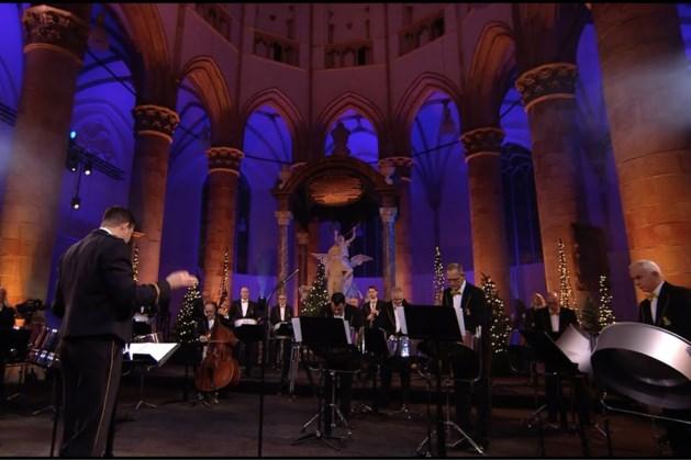 Nederlands Douane Orkest geeft concert op de Markt in Kerkrade