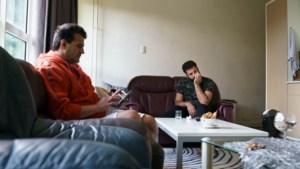Syrische statushouders in Noorbeek: 'Mijn vrienden gaan naar school. Ik wóón in een school'