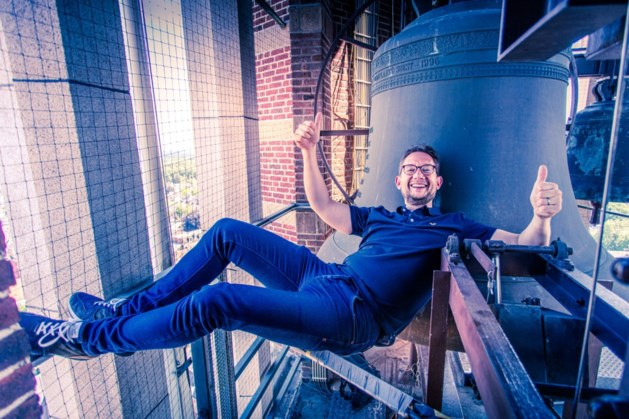 Torenfestival: Frank Steijns speelt verzoekjes op carillon Sint Martinuskerk Weert