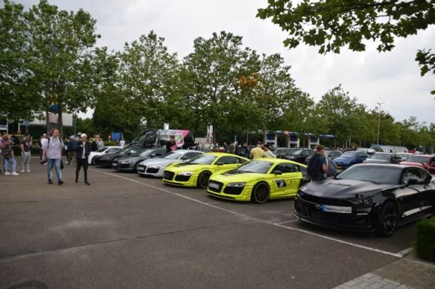 Politie maakt einde aan samenkomst bestuurders sportauto's in Venlo