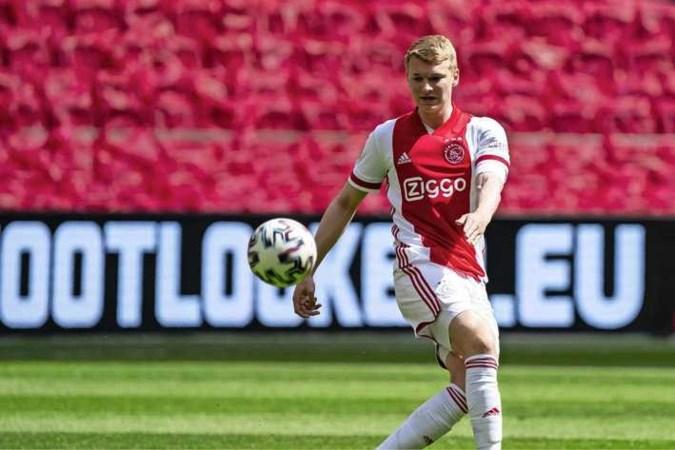 Perr Schuurs sluit vertrek bij Ajax uit: 'Ik ben hier nog niet klaar'