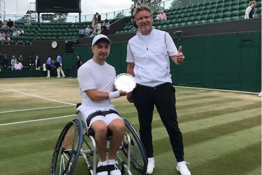 Sam Schröder redt het niet in twee finales op Wimbledon