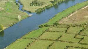 Politie vindt vermiste zwemmer in Maas ook zondag niet