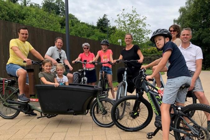 Het gemak van elektrisch pedaleren in de heuvels van het exotische Zuid-Limburg: 'Bergop is op gewone fietsen niet te doen'