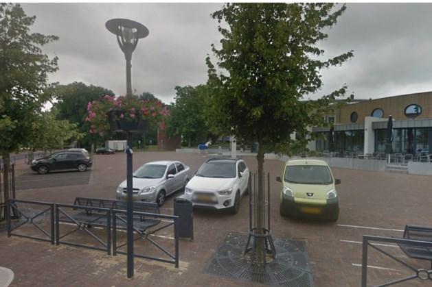 Markt voor oud gemeentehuis in Heythuysen wordt 's zomers horecaplein