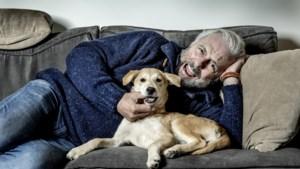 Huub Stapel is opa geworden: 'Als ik haar zie, maakt mijn hart een sprongetje'