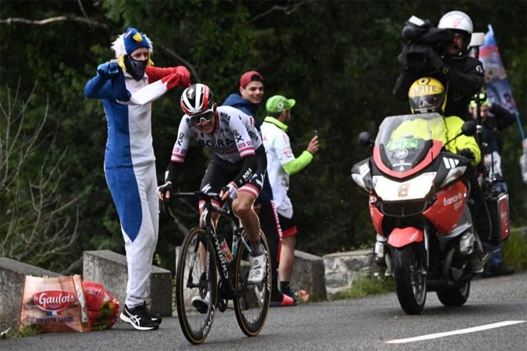 Oostenrijker Konrad soleert in stromende regen naar zege in Pyreneeënrit Tour