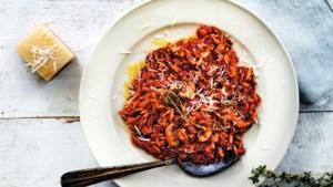 Alles smaakt in Italië beter, alles… maar deze pasta met pancetta gaat er thuis ook goed in