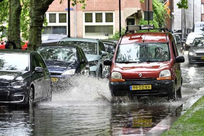 Extreme neerslag in Limburg verwacht: KNMI geeft code geel af