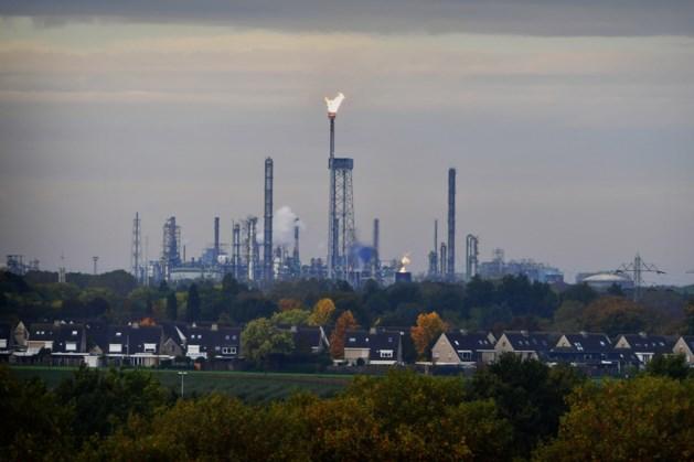 Storing bij fabriek Chemelot: fakkelen duurt tot woensdagochtend