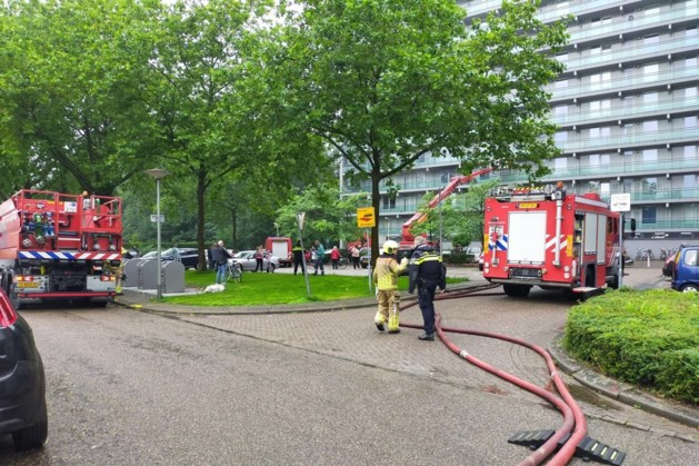 Evacuaties om brand op derde verdieping flat Roermond