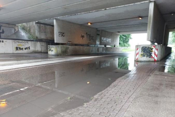 Vergrootglas op viaduct tussen Geleen en Spaubeek vanwege waterstand: 'regenhotspot' wordt mogelijk afgesloten