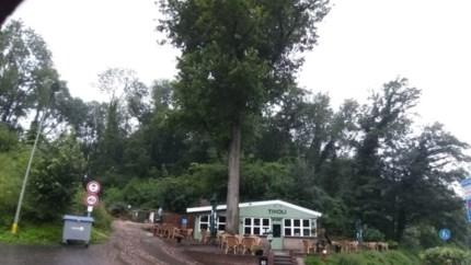 Forse waterschade in het Heuvelland, camping Wijlre bereidt zich voor op evacuatie