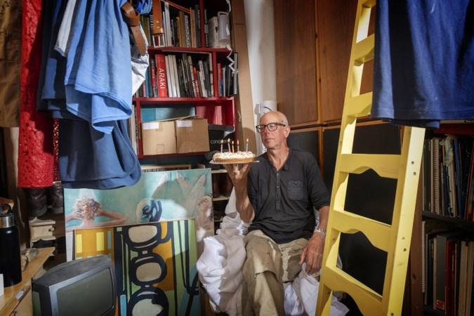 Guus (62) woont al 35 jaar op een studentenkamer in Maastricht: 'De komende tien jaar zit ik hier nog prima'