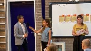 Bas en Kaylin winnen gedichtenwedstrijd van Beesel