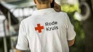 Hulpverleners Rode Kruis vangen bezorgde Limburgers op