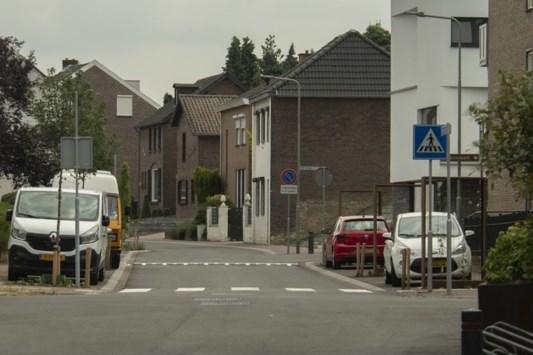 Brandkranen liggen na reconstructie onder parkeervakken in Elsloo: 'Onvoldoende rekening mee gehouden'