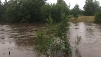 Waterpeil Roer stijgt verder: zandzakken in Vlodrop