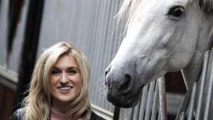 Britt Dekker biedt helpende hand voor dieren in nood in Limburg