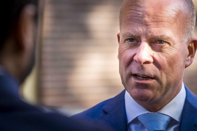 Staatssecretaris Knops op bezoek in Heerlen: 'Verhalen slachtoffers maken indruk'