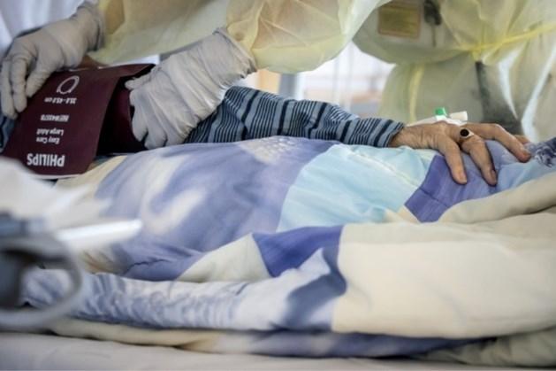 Stijging coronapatiënten in ziekenhuizen zet door