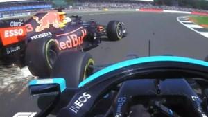 Max Verstappen crasht in Grand Prix van Silverstone door tik van Lewis Hamilton
