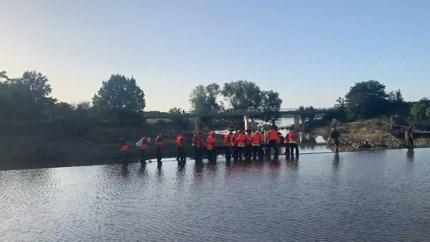 Leger repareert zwakke dijk in Maastricht: bewoners woonboten kunnen thuis slapen