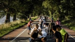 Defensie blijft tot zeker maandagmiddag in Limburg om te helpen bij het hoogwater